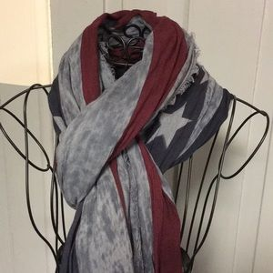 Old Navy American Flag Print Scarf